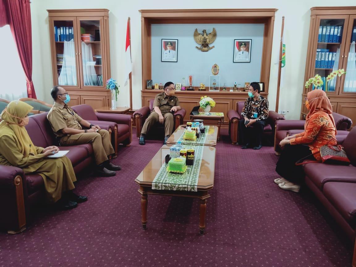 Kunjungan Kepala Balai Besar POM ke Bappeda Provinsi Kaltim